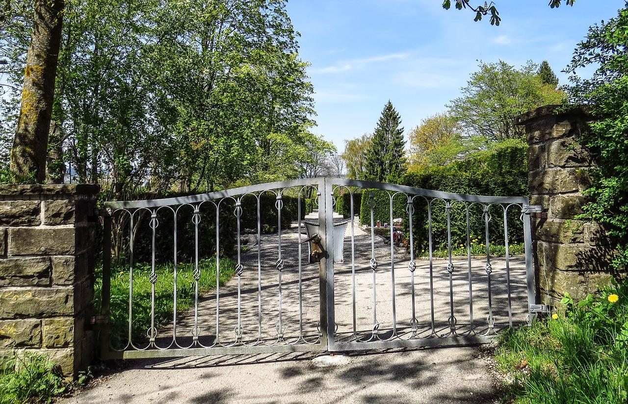 Artisan pour portail coulissant  à Charmes-sur-Rhône